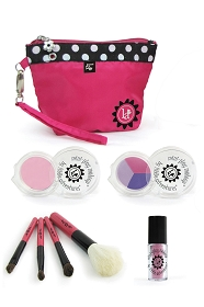 7 Piece Real Feel Play Makeup Set with Pink Clutch