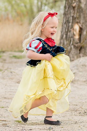 DELUXE Snow White Dress Up
